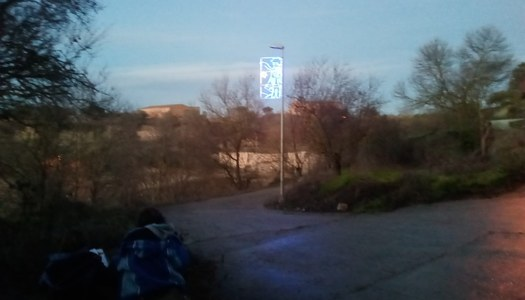 Les Oluges instal•la una llum solidària a benefici de l'hospital Sant Joan de Déu.