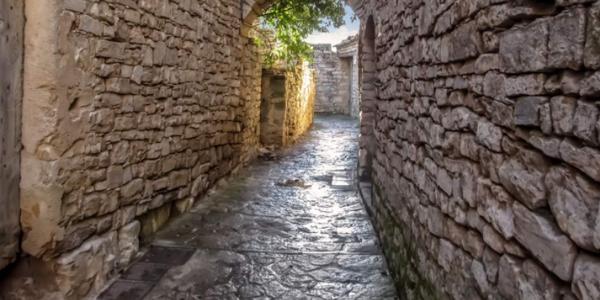 Montfalcó Murallat, el segon poble medieval amb més encant d'Espanya