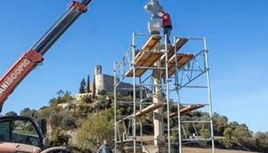 Montfalcó recupera la creu barroca a l'entrada del poble