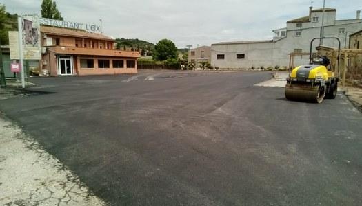 Nou asfaltat a l'entrada de Les Oluges