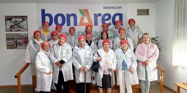 Unes 45 persones participen a la Sortida a l'Agrupació Alimentària de Guissona del municipi de Les Oluges.
